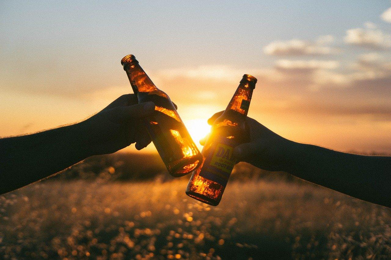 Klauzula alkoholowa a ubezpieczenie turystyczne