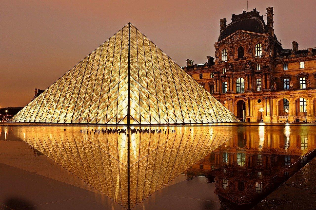 Wybierasz się do Francji? Na jakie ubezpieczenie się zdecydować?