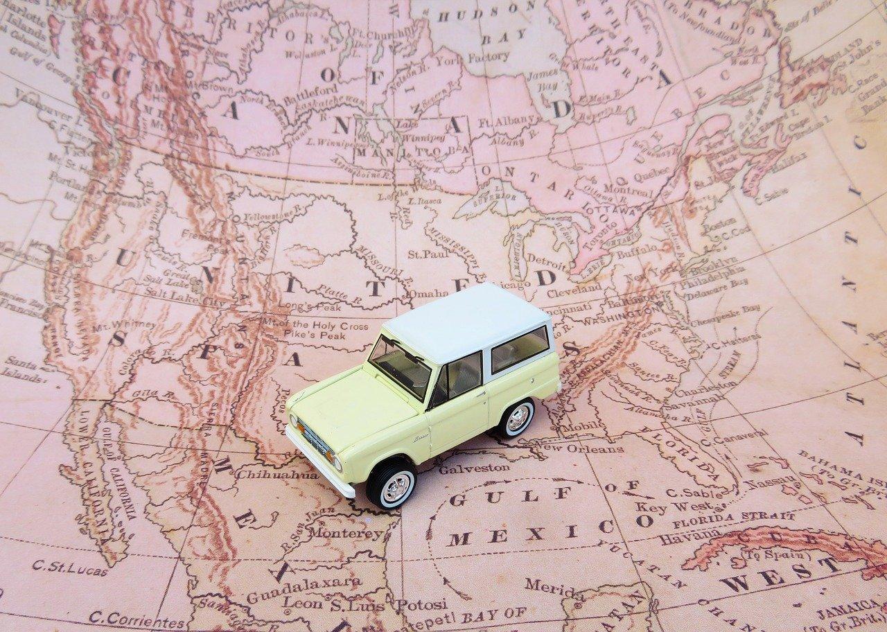Wyjazd samochodem za granicę? O czym pamiętać