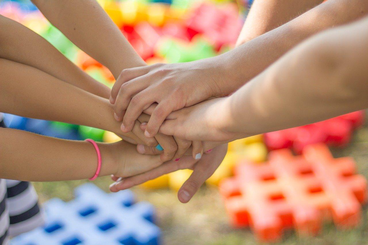 Czy popwinniśmy dodatkowo ubezpieczyć dziecko, jadące na obóz lub kolenie?