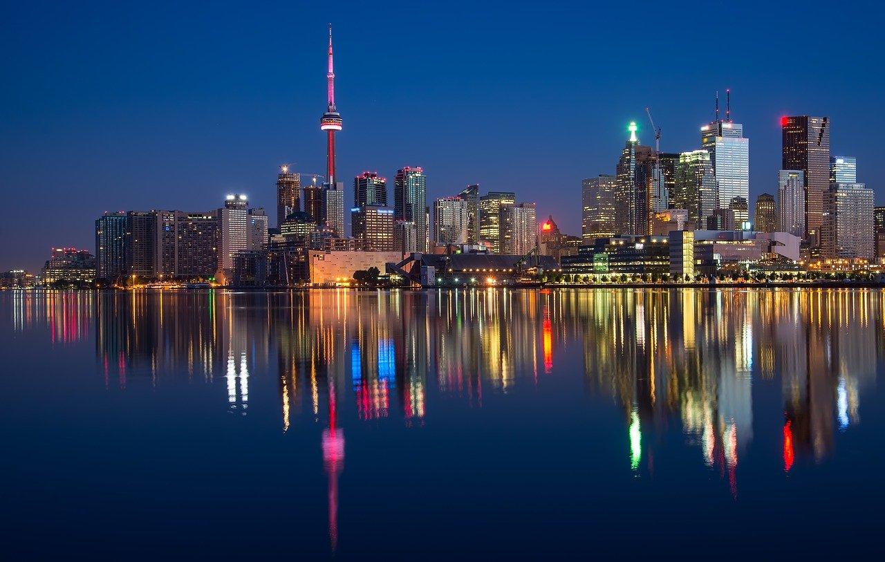 Jak się ubezpieczyć, wybierając się do Kanady?